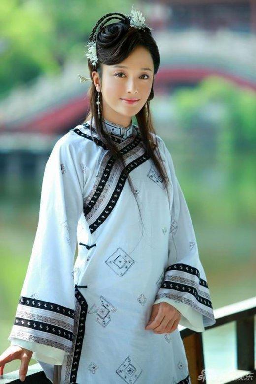 杨幂 秦岚/李嘉欣赵雅芝朱茵 古装现代装造型都绝美的女星