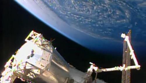 """美国""""天鹅座""""飞船飞抵国际空间站"""