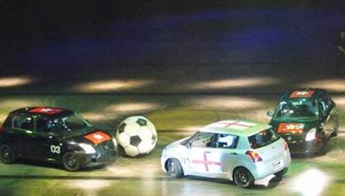 传奇20141007期:看汽车怎样踢足球