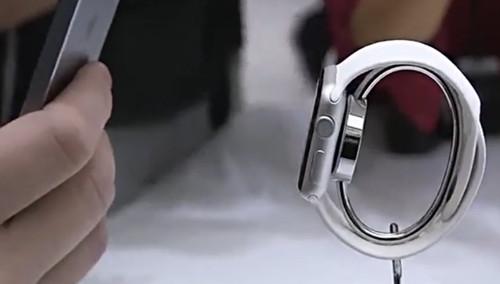 苹果智能手表Apple Watch外媒试玩体验过程实拍