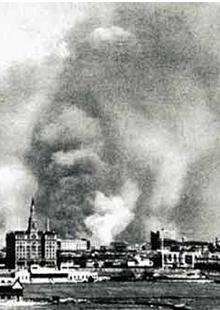日军无差别轰炸上海惨遭屠戮