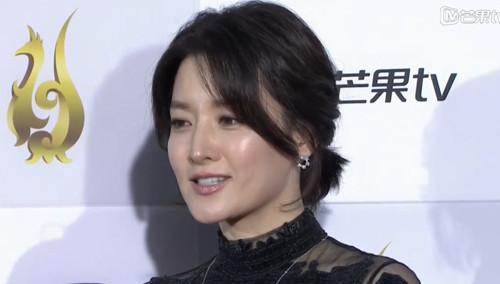 《首尔国际电视节》红毯剧星:李英爱亮相红毯 气质优雅温婉动人