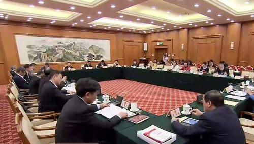湖南代表团分组审议全国人大常委会工作报告