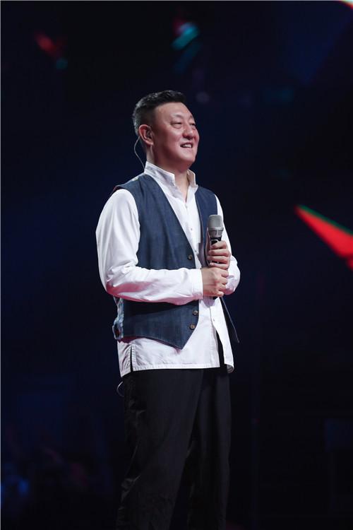 """我为歌狂韩磊唱的歌_韩磊登场《我想和你唱》 化身""""萌叔""""现场可爱三连拍_湖南卫视"""